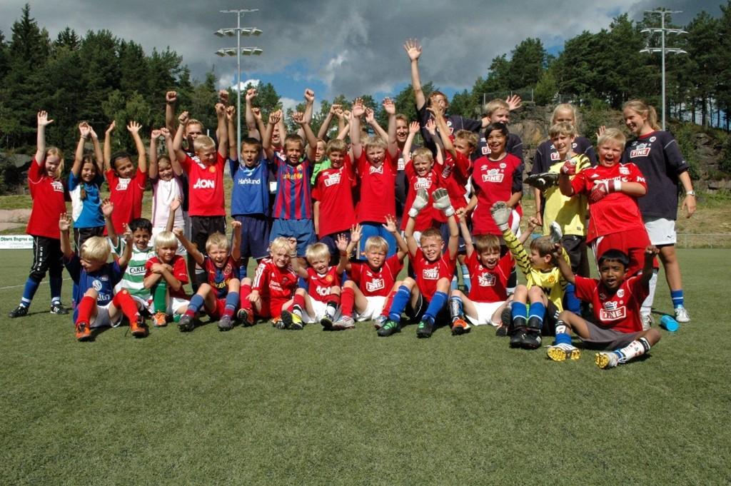 GLADE BARN: 40 barn var med på fotballskolen som ble holdt på Grei-banen forrige uke.