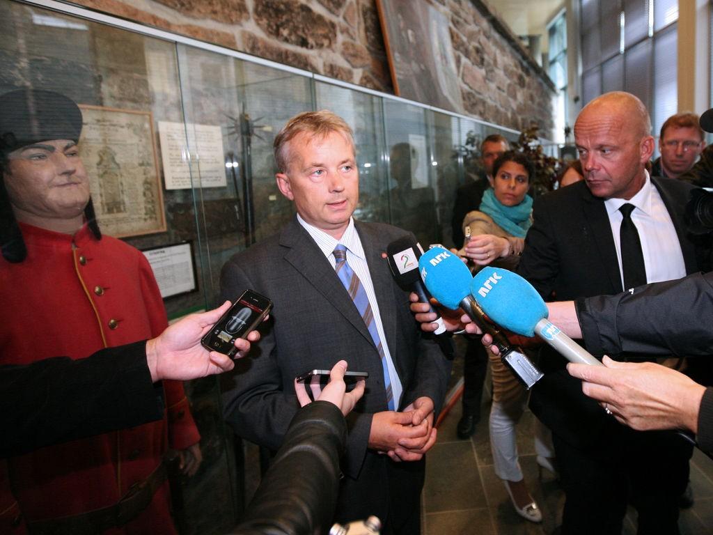 Justisminister Knut Storberget under pressetreff fredag 19. august.