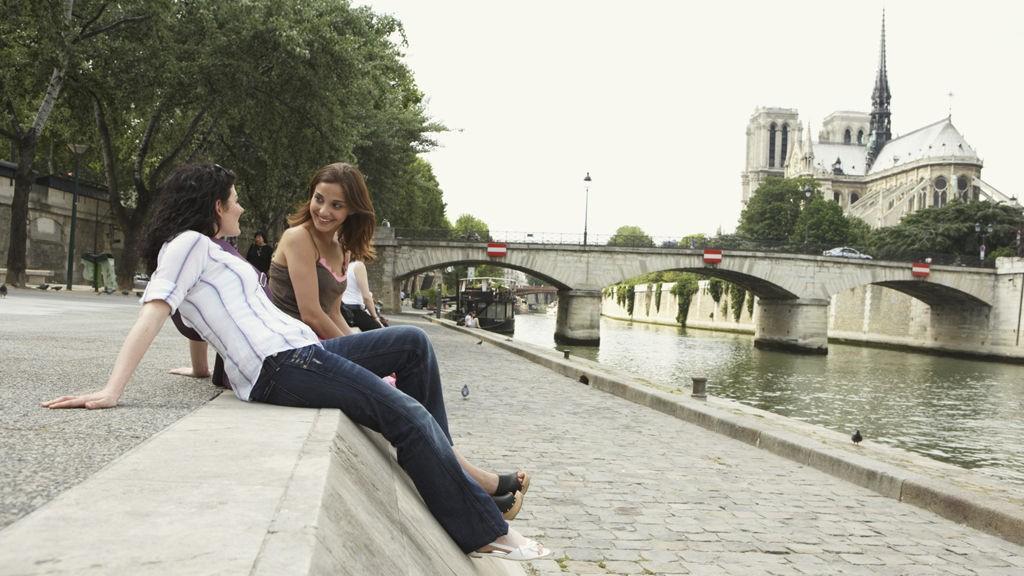 Slapp av langs Seinen.