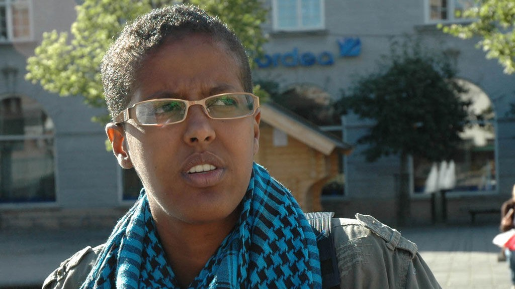 - Jeg har reist rundt i hele Norge. Blant de ulike tiltakene på å integrere, mener jeg Teatime fungerer best, sier den norsk-somaliske forfatteren med pseudonymet Amal Aden.