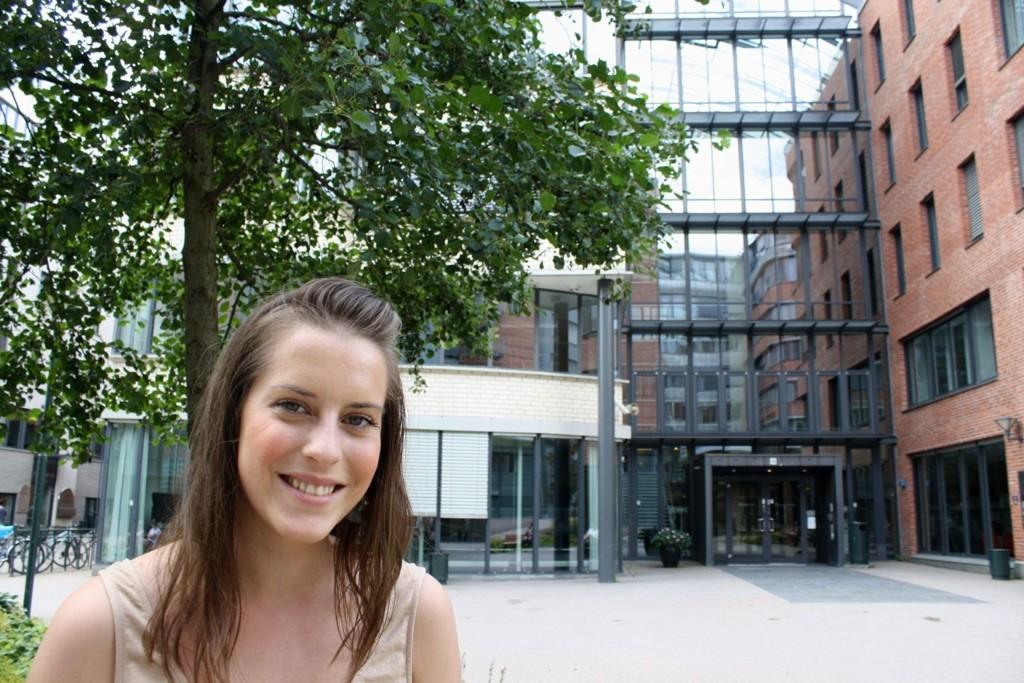 KOM INN: Kristine M. Arnesen (25) startet rett i 2. klasse på bachelorstudiet i journalistikk ved HiOA denne uken.