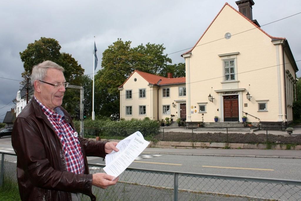 MYE Å VELGE MELLOM: Knut Hedemann (Ap), leder av bydelsutvalgets kulturkomité, er imponert over mangfoldet under bydelsdagene. Her i Nordstrandhuset blir det onsdag 19. september kåseri om «Nordstrand bads storhetstid».