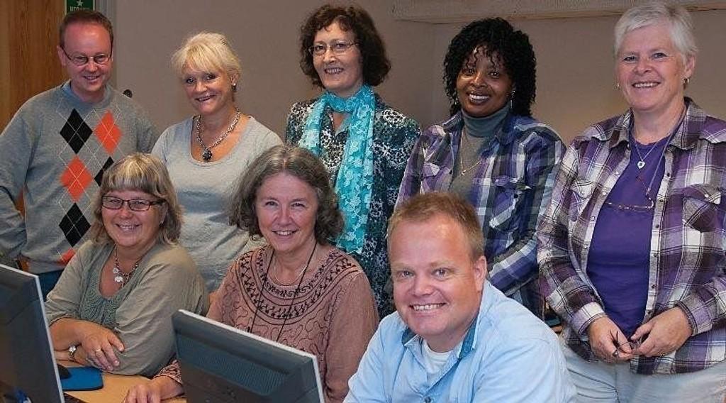 Disse medarbeiderne skal hjelpe deg. Bak fra venstre: Svein Olav Stalheim, Bente Frantzen, Merethe Bloch-Hoell, Margaret Wangari Njambi, Gunhild Ettestøl.