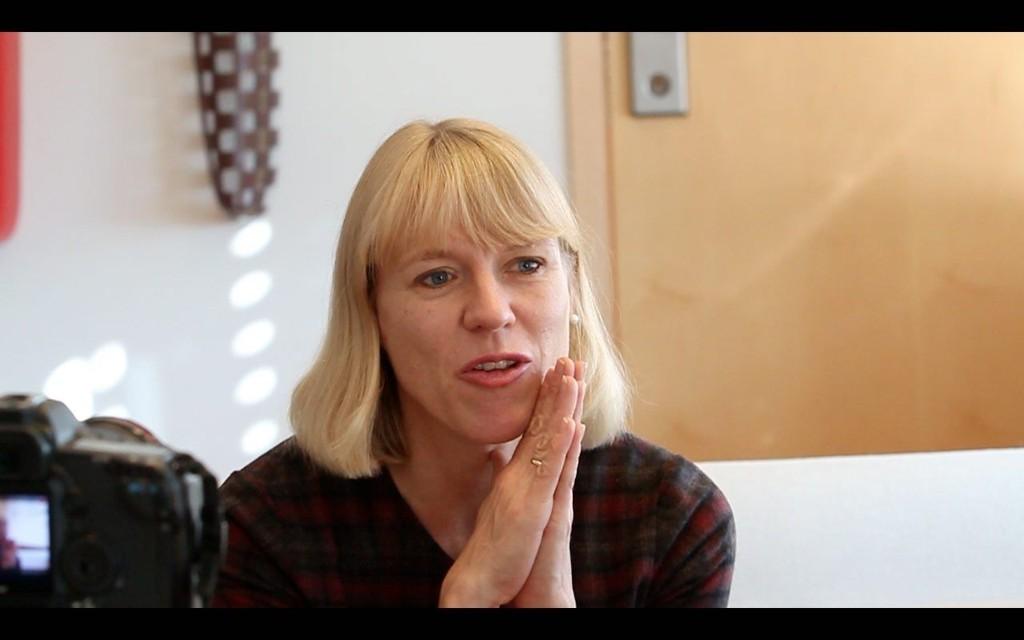 JA VEL, STATSRÅD: På et ryddig kontor i Akersgata, møter vi Anniken Huitfeldt, som også er kjent for å være ryddig i jobben sin.