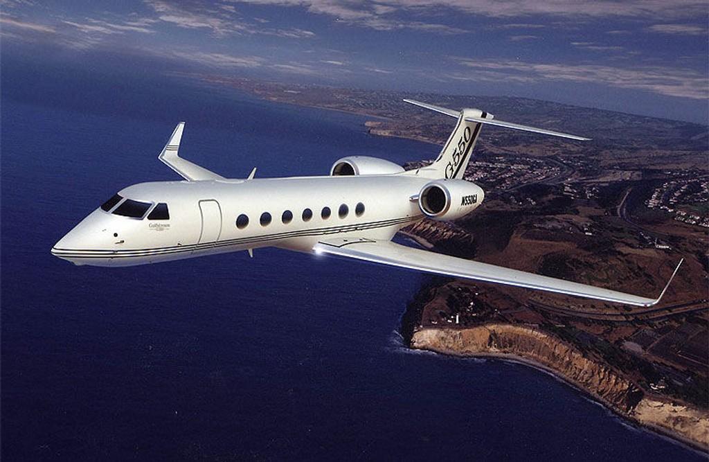 GULFSTREAM G550. Stål-milliardær Lakshmi Mittal er en av de som har har bladd opp 36 mill dollar, 181 mill kroner, dollar for dette forholsdvis lille flyet.