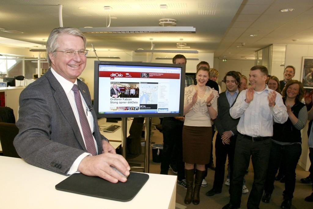 Ordfører Fabian Stang åpnet dittOslo.no 22. april 2010. Til høyre ansvarlig redaktør Tore Bollingmo.
