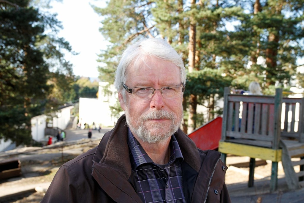 ÅPNET: Stein Arne Andersen, rektor ved Munkerud skole er glad for at skolen er åpnet som normalt igjen idag.
