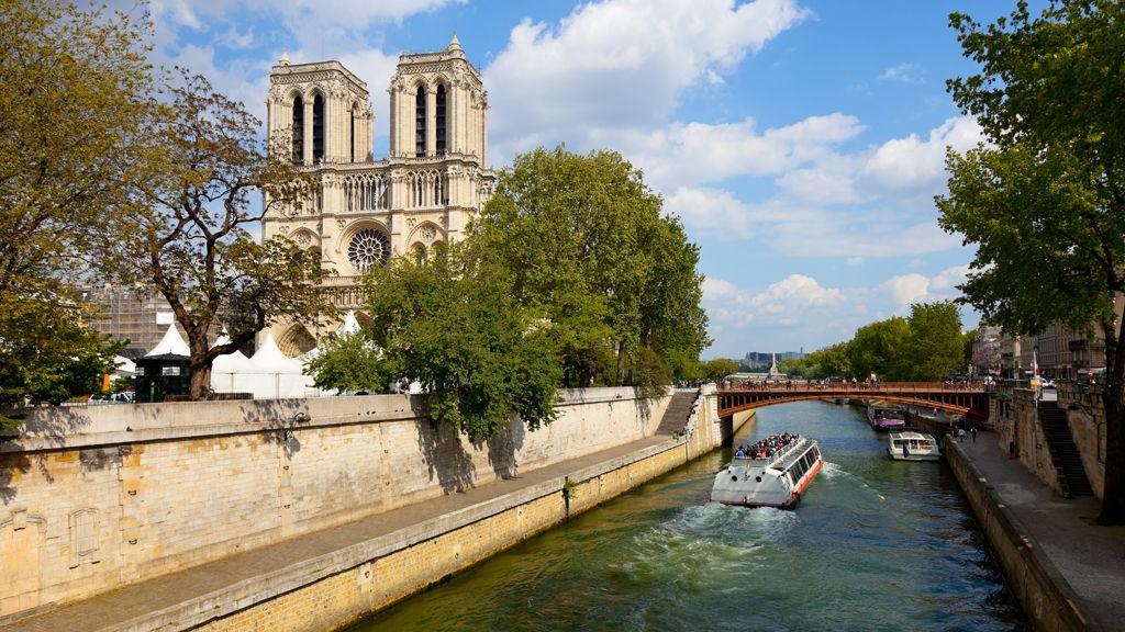 De fleste severdighetene i Paris ligger i sentrum noe som gjør det enkelt for turister på besøk i byen.