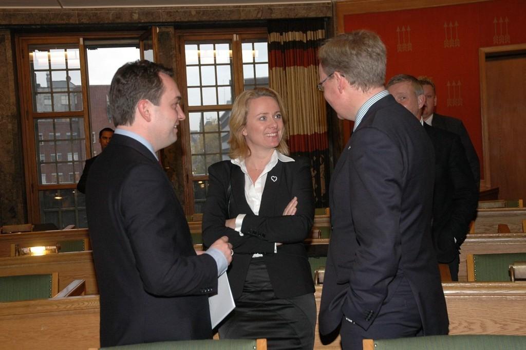 Byrådsleder Stian Berger Røsland (H) vil bli strengere mot de useriøse i skjenkebransjen. Her er han sammen med helse byråd Anniken Hauglie og skolebyråd Torger Ødegaard.