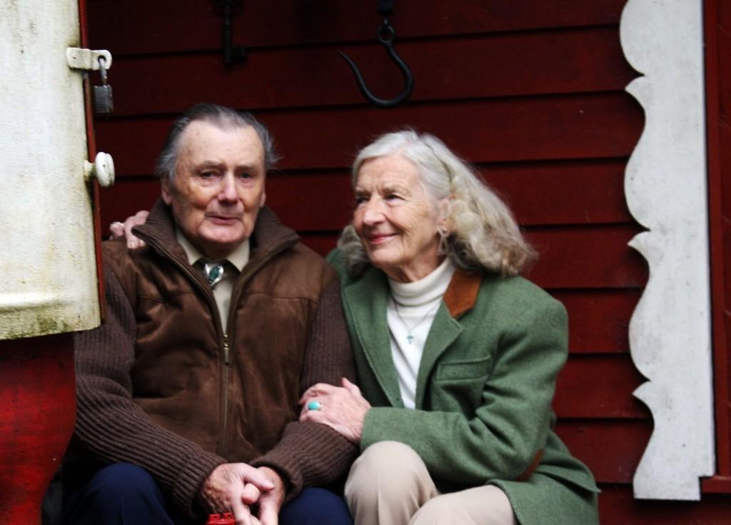 Rolf og Inger Pettersen bor ved Hestesund på Nesøya og har levd et spennende og langt liv sammen.