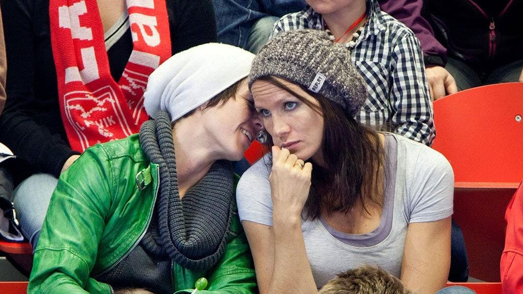 SERBIA: Anja Edin håper å få med seg Gro Hammerseng til EM.. Her er de to sammen på Arena Larvik i oktober 2011.
