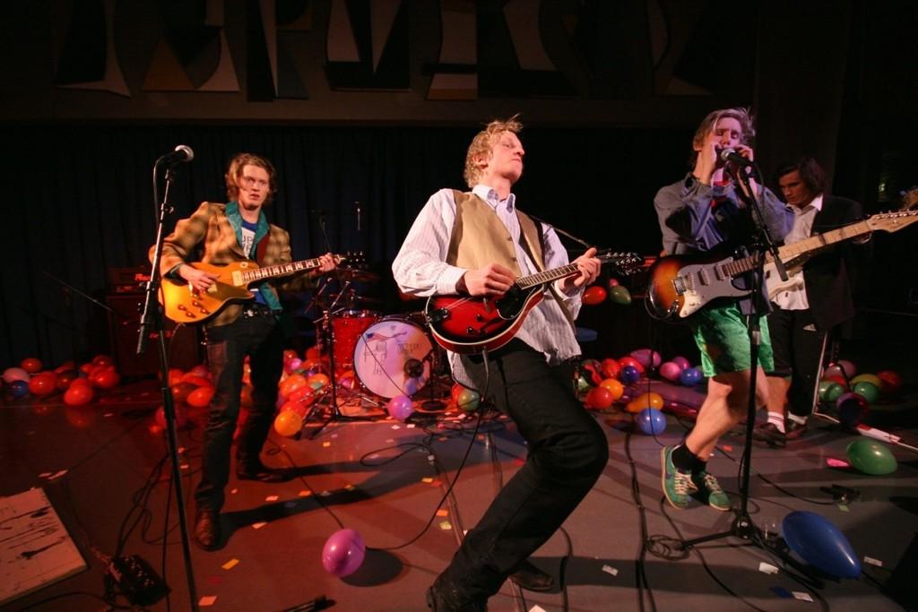 SPILLER OPP: Tuba Tuba er et av trekkplastrene til årets musikkfestival på Manglerud vgs.