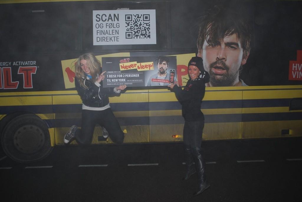 HOLDT SEG VÅKEN: Jeanette Juul Jensen (26) fra Grünerløkka har vært våken i over 65 timer og sikret seg to billetter til New York.
