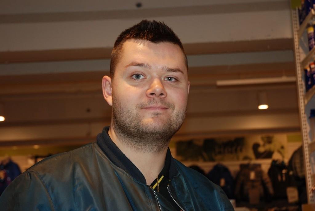 Paal André Trehjørningen har slått på stortromma når han kjøpte julegave til kona.