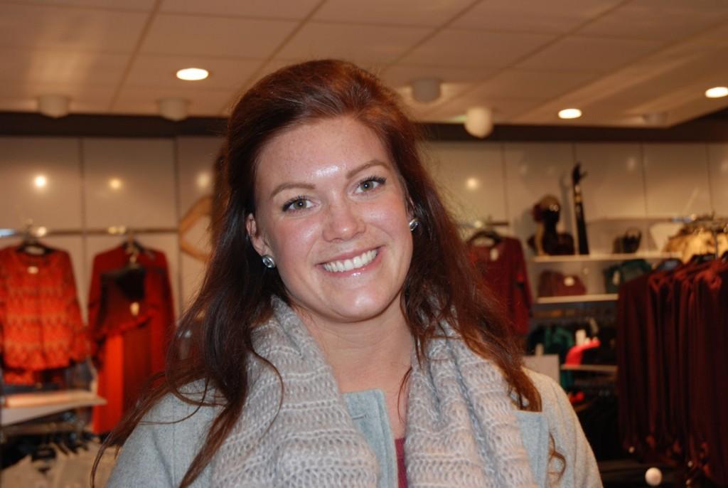 Anne Sørum synes hjemmelagde gaver er topp, og hun gir dem gjene midt i året. TRYKK PÅ BILDET FOR Å BLA