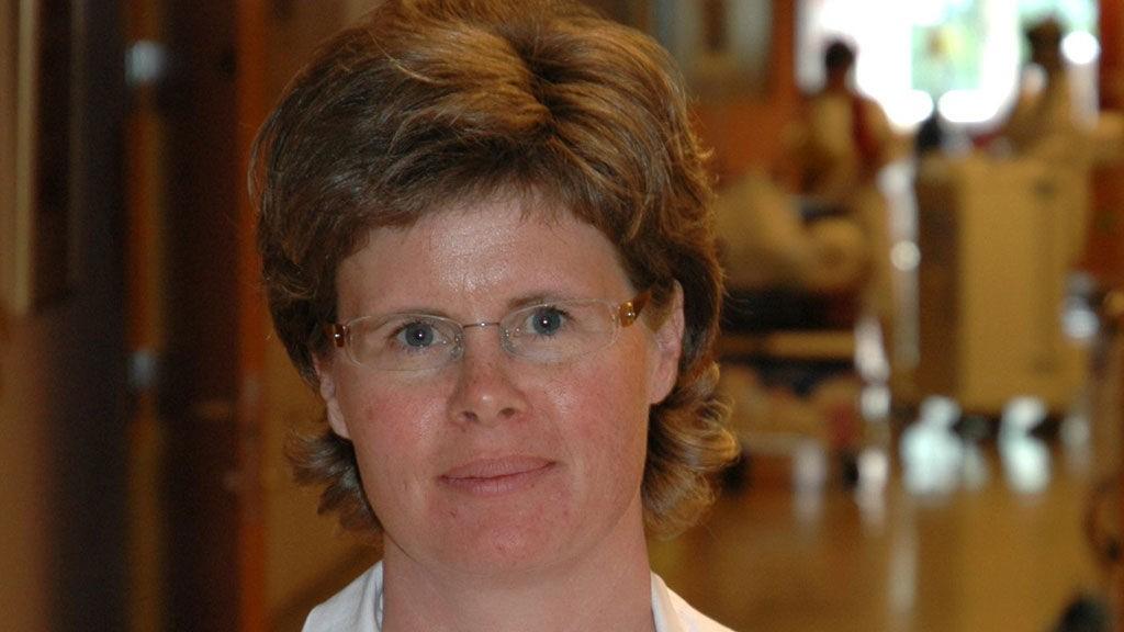 RINGVIRKNINGER: Avdelingsoverlege Anja Døssland Holstad var en av mange som ble mobilisert da Sykehuset Innlandet syntes å være avsender av den falske tekstmeldingen.