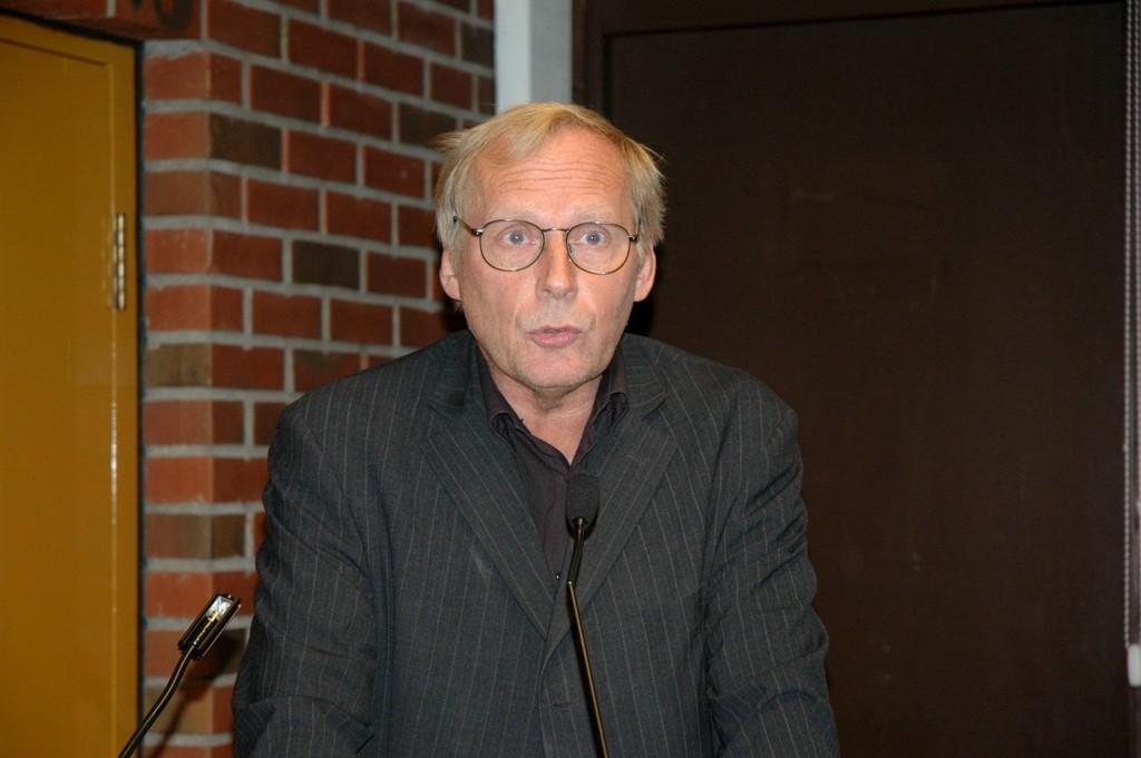 TRANGE TIDER: Bydelsdirektør Knut Egger har ingen lett jobb når han skal budsjettere for Bydel Sagene. Bydelen har 34 millioner kroner mindre å rutte med for 2012.