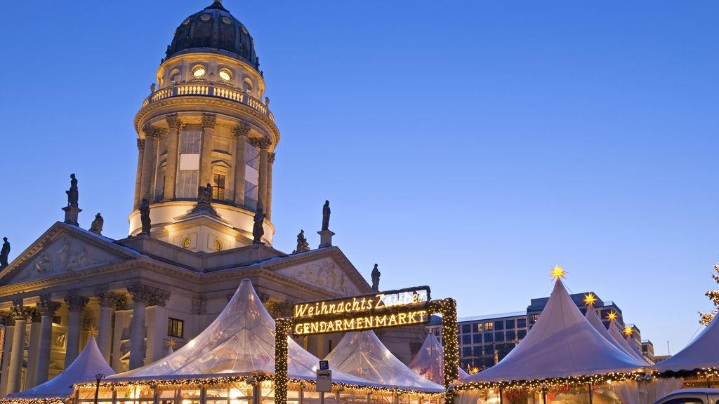 Berlins julemarked er stilrent, men tradisjonelt i hvitt.