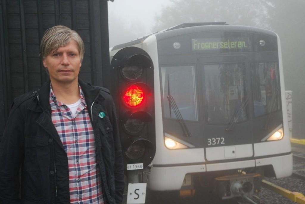 Samferdselsbyråd Ola Elvestuen (V) anser Gulleråsen stasjon som tapt og vil ikke anbefale å opprettholde busstilbudet.