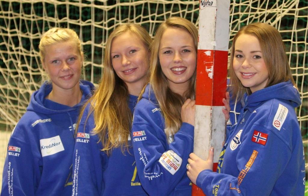 Klare: Elisabeth Ellefsen (venstre), Katarina Young, Ellen Nordal og Martine Welfler er klare til å møte Stabæk i juniorfinalen.