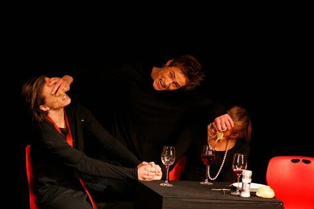 Den første uken i 2012 er de fem første skolerevyene premiereklare. Her et bilde fra Nordstrandrevyen i 2010.