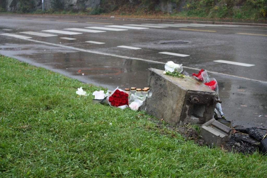 Her i Hellerudveien ble syklisten drept da bilen kom i over motsatt kjøreretning og i sykkelfeltet.