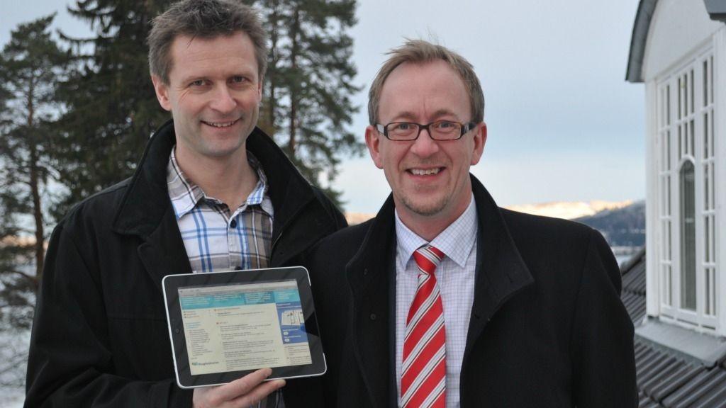 ¿ Byggforskserien på nett er blitt et komplett nasjonalt referansebibliotek for byggenæringen, sier forskningssjef Kim Robert Lisø (til høyre) og programleder Tore Kvande ved SINTEF Byggforsk.