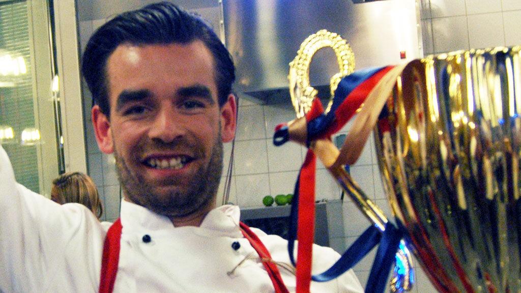 ÅRETS TV-KOKK: Erik Mortvedt stakk av med seieren i «4-stjerners middag» i fjor.