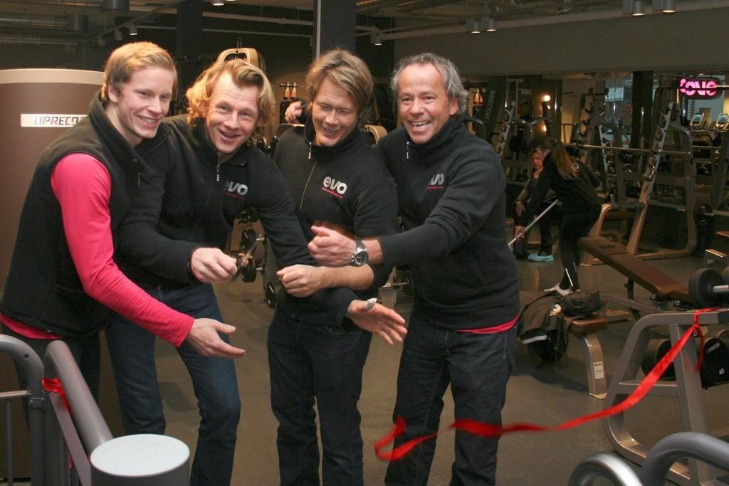 Åpnet: Martin Lager, Bård Windingstad, Stefan Johnsen og Kim Jordsjø klippte snoren og erklærteEVO Sjølyst åpnet.
