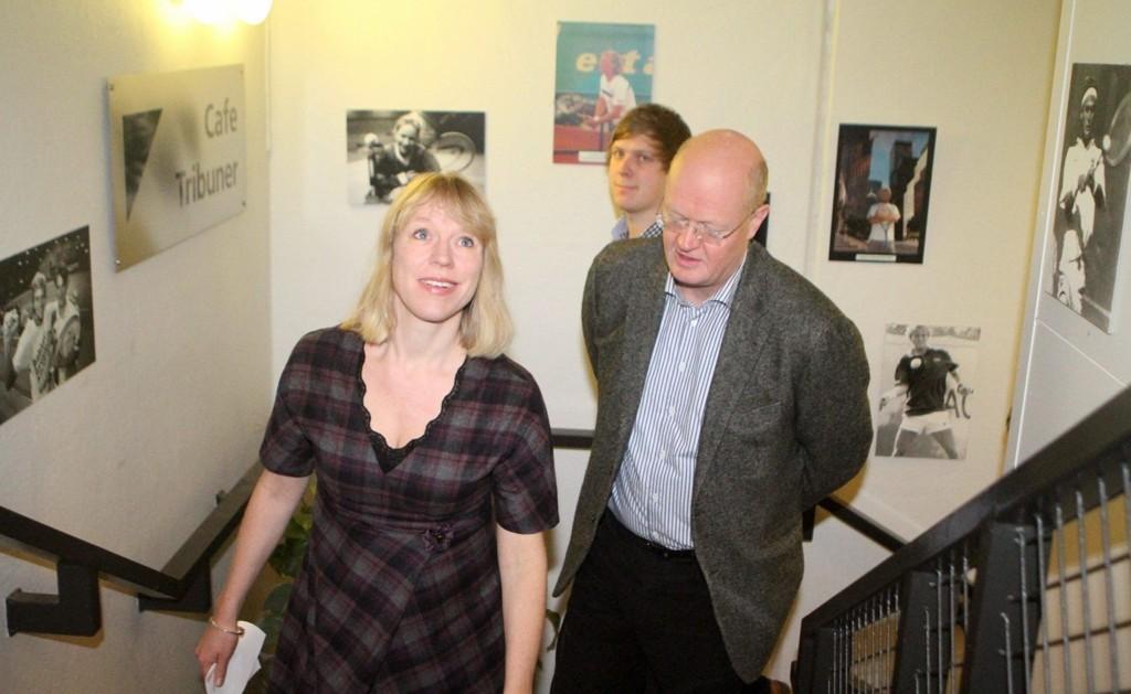 Omvisning: Kulturminister Anniken Huitfeldt besøkte Riksanlegget på Hasle. Til høyre Hans Kristian Voldstad i tennisforbundet.