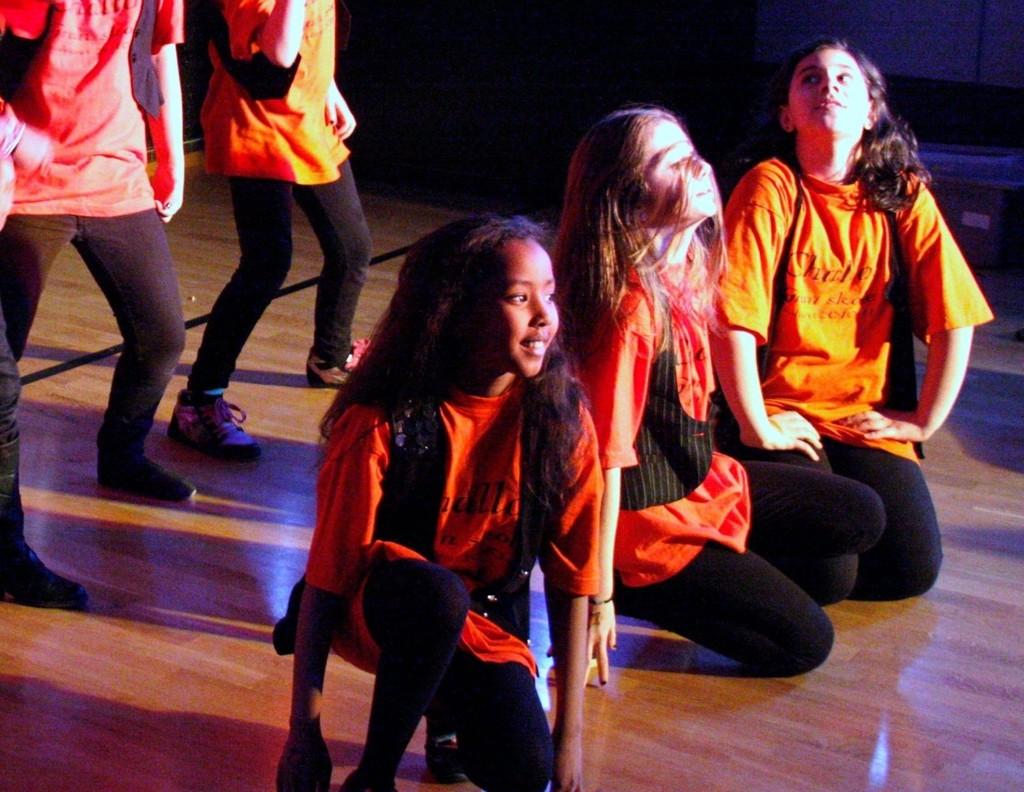 IMPONERTE: Under fjorårets UKM Alna Junior var det stor stemning og stinn brakke på Trosterudklubben. Og ikke minst imponerte alle dansegruppene.