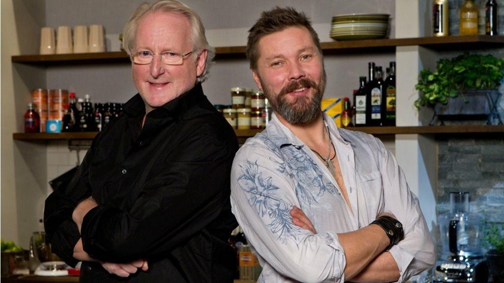 Gårsdagens TV3-premiere på «Hellstrøm inviterer», med Stig Henrik Hoff som gjest, hadde 172.000 seere og en markedsandel på 10,6 prosent blant alle seere over 12 år. På det meste var 203.000 seere innom premieren.