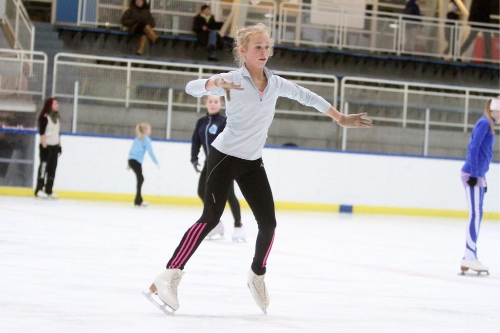 Mye trening: Sine Mari Leite er ofte på isen og trener, og hun kan alle de doble hoppene bortsett fra dobbel axel.