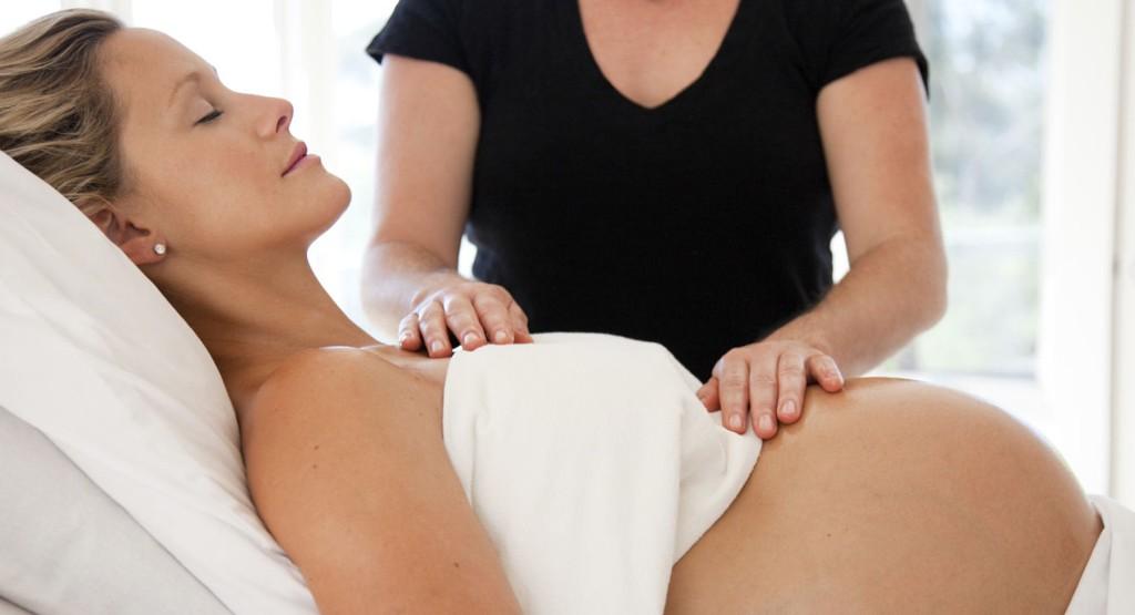 Stol på egne krefter og kroppens evne til å unnagjøre fødselen.