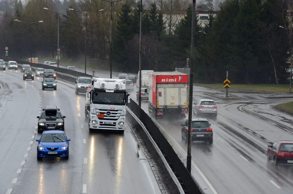 VIL BEDRE MILJØET: Østensjø bydelsutvalg vil ha tunnel fra Abildsø over Manglerud (bildet) og helt til Teisen-Ulven, for å bedre både miljø og trafikkavvikling. Nå ber de ansvarlige politikere i Oslo og Akershus opprettholde Manglerudtunnelens prioritet i Oslopakke 3.