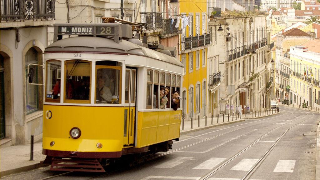 De kuperte gatene, trange smugene og ville festene gjør Lisboa til Europas San Fransisco.