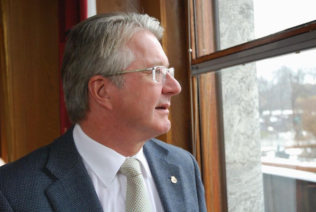 Ordfører Fabian Stang vil ikke bruke tiden sin på rettssaken og morderen. Han vil heller tenke på sine medmennesker.
