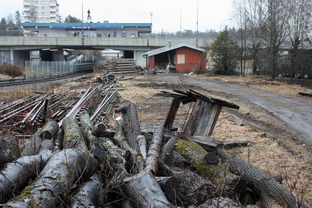 Skal ryddes: T-baneområdet på Bøler har i flere år vært lite tiltalende.
