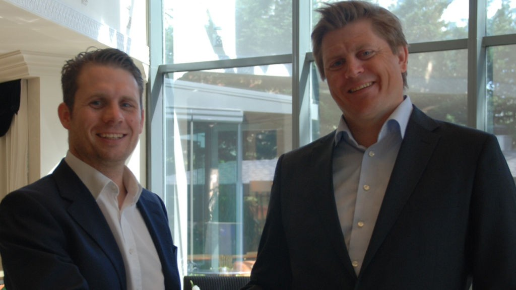 Forener krefter: Are Strøm, CEO, Norstat (til høyre) og Christoph Irmer, CEO, ODC Services.