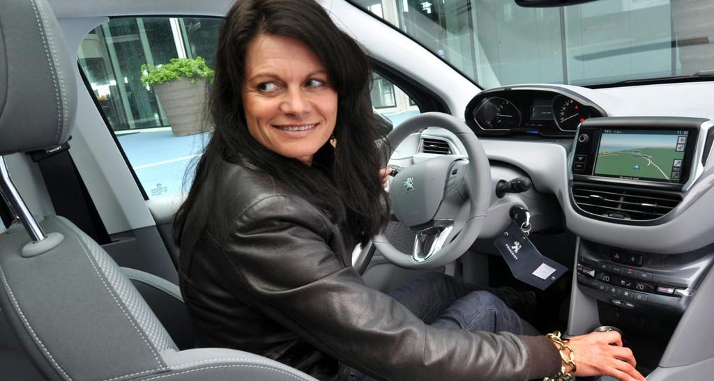 Peugeots småbil har i snart tre tiår vært attraktiv blant kvinnelige bilkjøpere.
