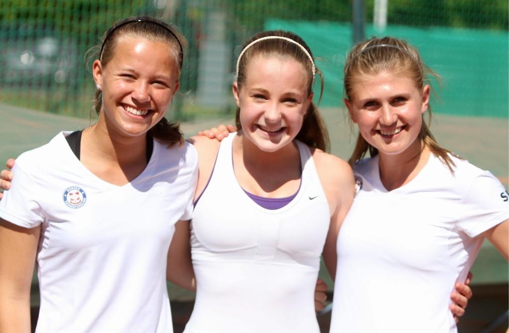 NORGE U15: Det norske laget besto av Ida Skancke (venstre), Alexandra Borg og Pauline Jahren.