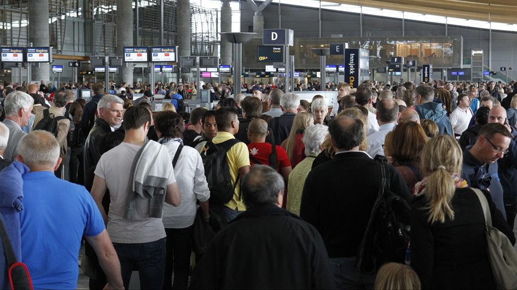 Det dannet seg køer på flere norske flyplasser, mens andre måtte stenge, når vekterstreiken 2012 var på sitt verste.