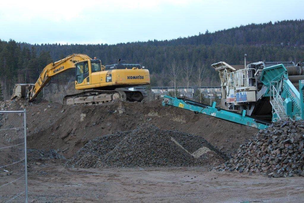Nå vil veientreprenør Albert Chr. Hæhre selge hele ridesenterprosjektet på Årvoll.