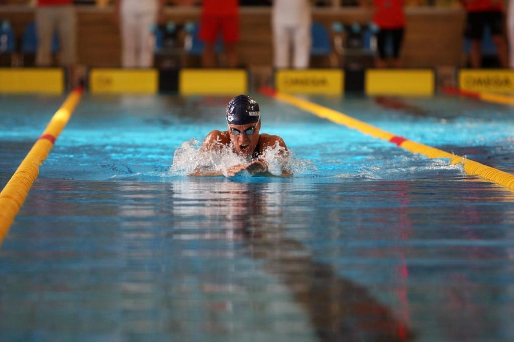 KLAR FOR OL: Sara Nordenstam er i svært god form, og gleder seg til å svømme i London-OL i slutten av juli. Her er hun under NM i Tøyenbadet.