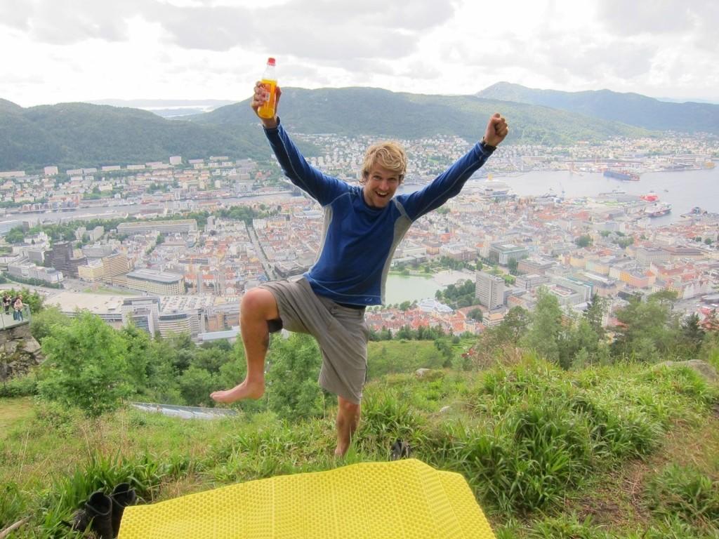 ENDELIG: Jostein Hult fra Bøler gikk helt til Bergen og ble møtt av turkamerat Teodor Glomnes Johansen som måtte bryte underveis.