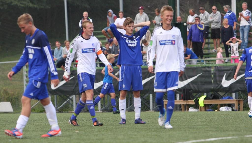 EXIT: Oppsals G19-lag røy ut av Norway Cup etter 2-3-tap mot Pors Grenland. Henrik Prestegård (19) depper etter kampen.