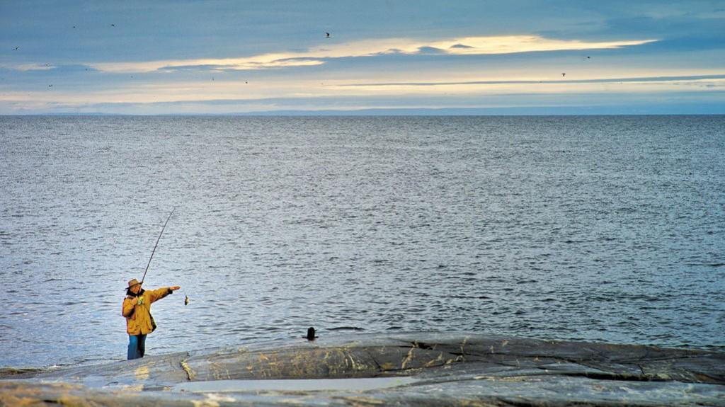 Det fiskerike Barentshavet bortenfor strendene i Grense Jakobselv har i flere hundre år vært en velsignelse for befolkningen her.