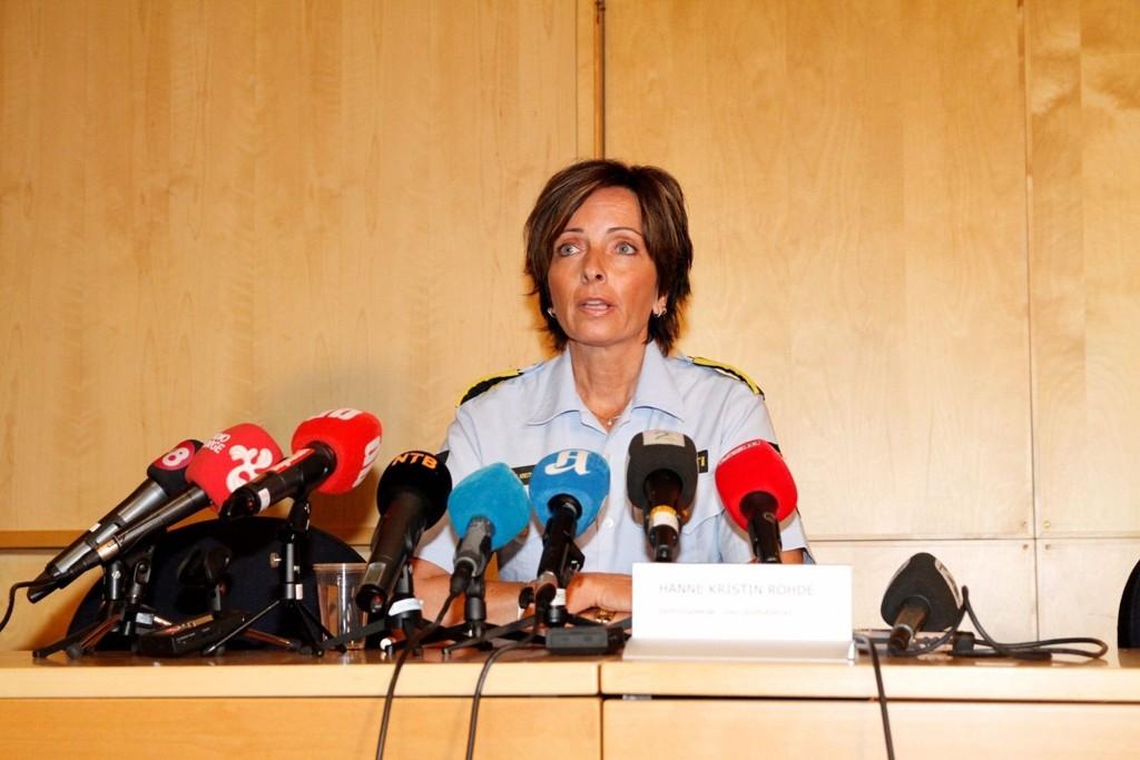 GJENNOMBRUDD: Politiinspektør Hanne Kristin Rohde mener politiet er på rett spor i saken, men kan foreløpig ikke si noe mer om dødsårsaken.