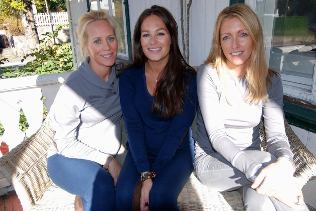 I sofaen: Annette Steen Lien, Hedda Rivelsrud og Siri Sørflaten mener alle at ull er gull.