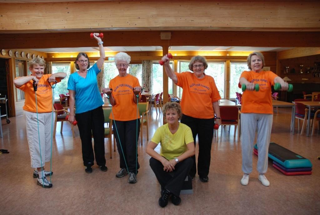 SPREK GJENG! Elisabet Byrkjeland, Vibeke Gottschalk, Gunn Meleeraasen, Eva-Lill Kamhaug og Kirsten Nordby trener en dag i uka.